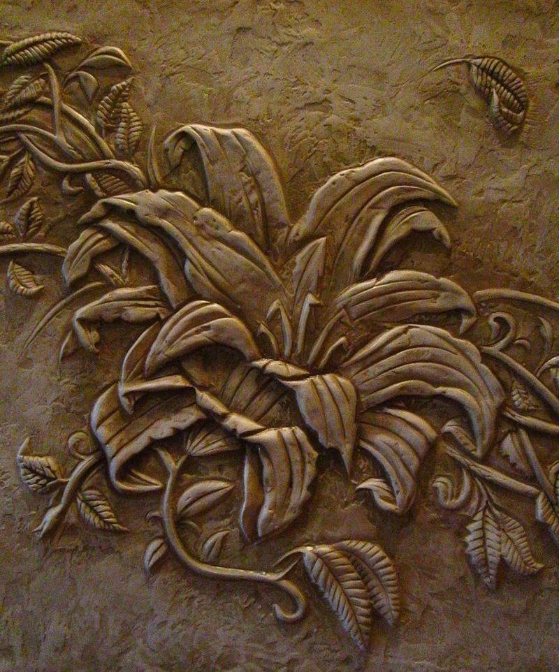 Барельеф с растительным узором