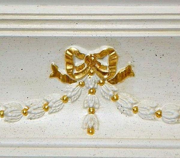 Декорирование полиуретанового карниза позолотой