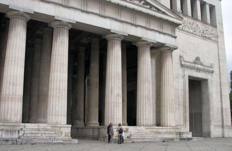 Храм Геры с колоннами в дорическом стиле