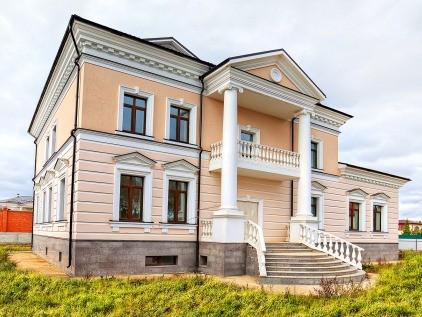 Лепнина на фасаде современных домов