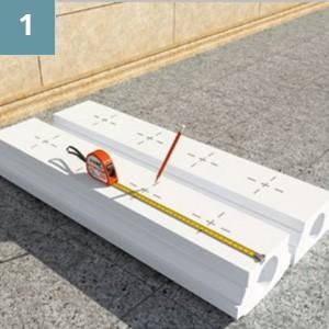 Сделать отметки на основании и поручне для отверстий под направляющие балясин.