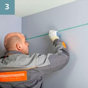 С помощью отбивочного шнура соединить отметки по периметру помещения.